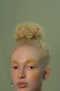 Beauty portrait for Sicky Magazine - Photography by Takeuchiss