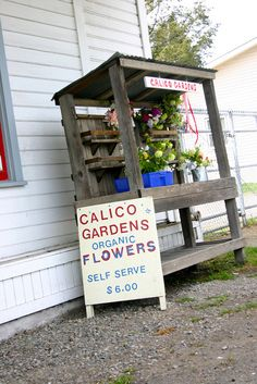 Landscape Gardeners Are Like Outside Decorators! Self-Serve Organic Farm Stand Farmers Market Display, Vegetable Stand, Produce Stand, Flower Cart, Flower Truck, Farm Gate, Fruit Stands, Flower Stands, Farm Stand