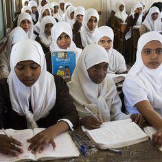 ragazze in una scuola femminile in Yemen