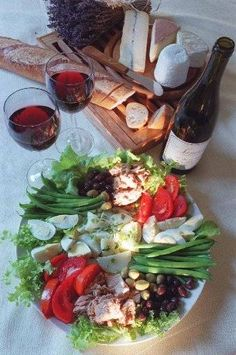 salad nicoise-In America, you might say au revoir to summer with an easy French-style lunch.