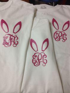 Easter Monogram using heat transfer vinyl. Monogrammed t-shirt HTV - black button shirt, casual butt Monogram T Shirts, Vinyl Monogram, Vinyl Shirts, Monogram Fonts, Vinyl Crafts, Vinyl Projects, Circuit Projects, Craft Projects, Bugs Bunny