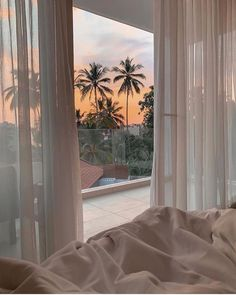Discovered by Aaaurélie S. Find images and videos about summer, aesthetic and sky on We Heart It - the app to get lost in what you love. Beach Aesthetic, Summer Aesthetic, Aesthetic Rooms, Travel Aesthetic, Photo Wall Collage, Dream Rooms, Belle Photo, Dream Vacations, Aesthetic Pictures