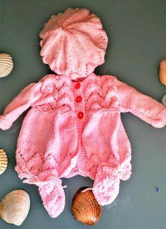 Layette fait main prématurée fille, manteau, bonnet, moufles
