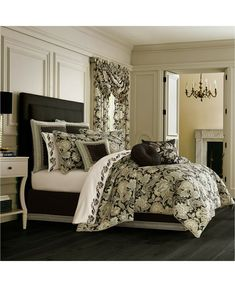 The Pillow Collection Daphnis Geometric Bedding Sham Grey European//26 x 26,