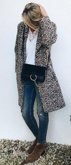 how to style a printed coat : bag + rips + boots + white top