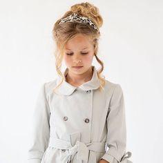 Buenos días  M A R Z  #sisterstocados #tocados #diademas #coronasdeflores #flowercrowns #tiaras #niñas #headpiece #headbands #primeracomunion #invitadas #invitadasboda #invitadaperfecta #muysisters @nueceskids