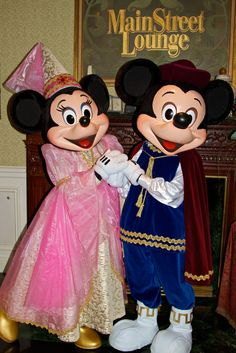 Minnie & Mickey Mouse at Disney Character Central