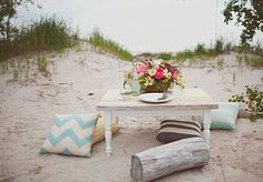 Wedding Table Decor Ideas that Makes Your Wedding Day Becomes Perfect: Beachy Wedding Table ~ flohomedesign.com Decorating Inspiration