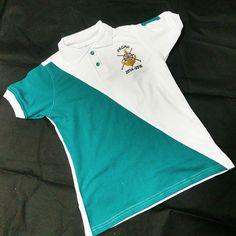 Camisa Polo, Club Shirts, Polo T Shirts, Senior Shirts, Tee Shirt Designs, School Uniform, Shirt Style, Summer Outfits, School Items