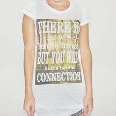 Camiseta feminina CONNECTION, modelagem longa