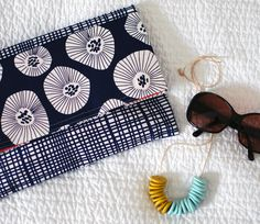 3. Mixed Print - 9 Elegant And Stylish DIY Envelope Clutches Perfect For Your Next Date... | All Women Stalk