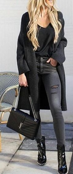#spring #outfits woman wearing black top and black coat with distress skinny jeans. Pic by @streetstyle_4_life