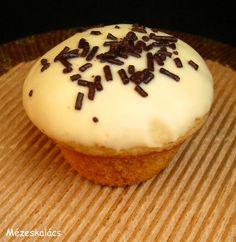 Waffle Cake, Izu, Mini Muffins, Minion, Waffles, Sweets, Make It Yourself, Cookies, Baking
