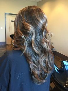 Soft natural balayage beach waves