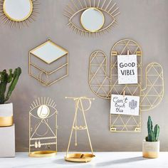 This Gold Tribal Eye See You Mirror is a beautifully eye catching decoration for you to add to your home. Brighten up bare walls with this statement Jewelry Stand, Jewelry Holder, Cute Jewelry, Jewelry Wall, Gold Sunburst Mirror, Sun Mirror, Coq Hotel, Bedside Organizer, Foto Frame