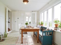 Have a look at this Scandinavian Dream House! Beautiful area, views and Scandinavian interior. Would this be your Scandinavian Dream House? Style At Home, Scandinavian Style Home, Gravity Home, Dream House Interior, House Inside, Dream House Plans, Dream Decor, Home Fashion, Interior Design Inspiration