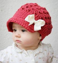 Bebeklere Özel Örgü Şapka Görünümlü Bere Modeli