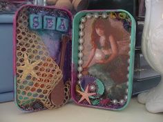Morning Glory Craft Cottage: Altered Altoid Tins.  A very Victorian type of craft.  I love the possibilities (and anything miniature)  :)  --Meggie