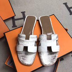 H003  #Milano #shoe #höt #dog #bracelet #nails #crocodilebirkin #Love #balenciaga #puma #shoes#footwear #hermes #hermestogo #hermescrocodile #cartier #nike#amazon #addidas #model #shoes #Celine#hermesshoes #Chanel #slipper #Givenchy #sandal #crocodilebirkin