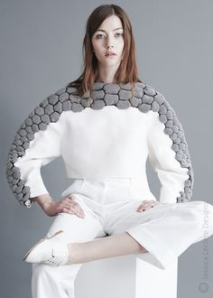 Jessica Leclere: Knitted Garments — Thisispaper — What we save, saves us. 3d Fashion, Minimal Fashion, Fashion Details, Look Fashion, High Fashion, Womens Fashion, Fashion Design, Paper Fashion, Haute Couture Style