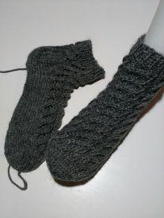 Fingerless Gloves, Arm Warmers, Socks, Knitting, Fashion, Knitting Socks, Fingerless Mitts, Moda, Tricot