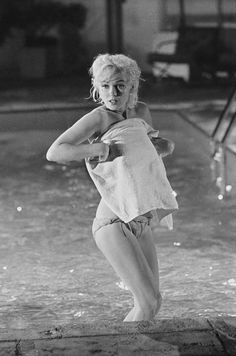 """Marilyn """"Something's Got To Give"""" Photographed by Lawrence Schiller"""
