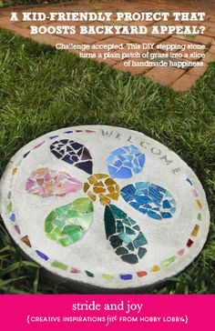 A kid-friendly project that boosts backyard appeal? This DIY stepping stone turns a plain patch of grass into a slice of handmade happiness. by nicole Stepping Stones Kids, Concrete Stepping Stones, Homemade Stepping Stones, Concrete Garden, Concrete Projects, Mosaic Projects, Pebble Mosaic, Mosaic Art, Pebble Art