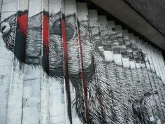 Stairs in London - photo from desenvolturasedesacatos blog   (bad sentinel.com?)