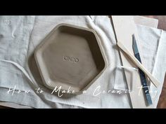 도자기로 육각형 트레이 만들기 : How to Make a Ceramic Tray [ONDO STUDIO] - YouTube Make Build, How To Make, Tray, Plates, Ceramics, Youtube, Licence Plates, Ceramica, Dishes