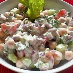 Joghurtöntetes csicseriborsó-saláta Eat Pray Love, Salad Dressing, Vinaigrette, Potato Salad, Potatoes, Ethnic Recipes, Food, Potato, Essen