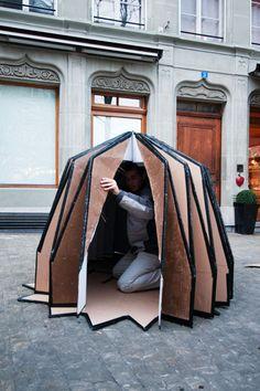 xpace: cardboard shelters Wilderness Survival, Camping Survival, Survival Skills, Folding Structure, Paper Structure, Tienda Pop-up, Portable Shelter, Shelter Design, Cardboard Design