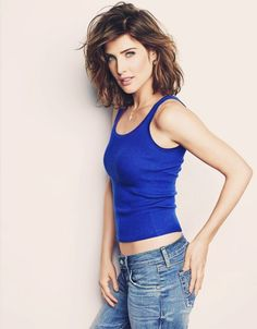 "Women We Love: Cobie Smulders aka Robin Scherbatsky from ""How I Met Your Mother"", Canada's greatest exports and The Avengers: Age Of Ultron co-star Robin Scherbatsky, Beautiful Celebrities, Beautiful Actresses, Gorgeous Women, Cobie Smulders, Actrices Sexy, Trendy Hairstyles, Short Hair Cuts, Short Thick Wavy Hair"