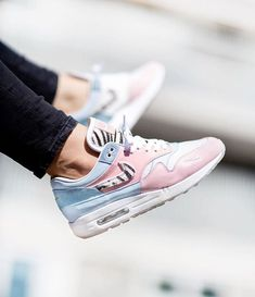 - How would you rate these By Click the link in our bio t. Air Max 1, Nike Air Max, Air Jordan Sneakers, Sneakers Nike, Camo Fashion, Men Fashion, Gucci, Adidas, Custom Sneakers