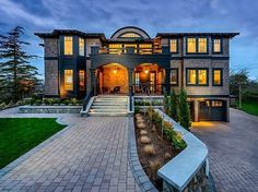 Front facade of Stunning Canadian beach home