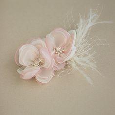 Blush pink wedding hair flower Bridal hair flower by LeFlowers Flower Headpiece, Wedding Hair Flowers, Bridal Flowers, Flowers In Hair, Fabric Flowers, Flower Hair, Pink Fabric, Wedding Dresses, Blush Rosa