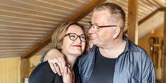 """Tiia ja Jouni Forsström: """"Seksuaalisuus toteutuu myös mielessä"""" Round Glass, Glasses, Eyewear, Eyeglasses, Eye Glasses"""