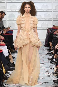Schiaparelli Haute couture Spring/Summer 2016 Fashion Show Style Couture, Couture Fashion, Runway Fashion, High Fashion, Fashion Show, Paris Fashion, Women's Fashion, Evening Dresses For Weddings, Formal Dresses