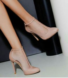 7 Noble Clever Hacks: Formal Shoes Lace Up shoes heels gucci.Formal Shoes Lace Up. Pretty Shoes, Beautiful Shoes, Prom Shoes, Wedding Shoes, Dress Shoes, Shoes For Dresses, Jeans Wedding, Sandals Outfit, Diy Wedding