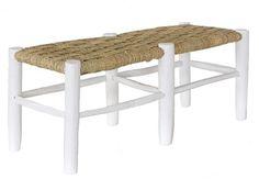 Banc en bois blanc et en paille. hauteur 40cm, la profondeur des sièges est 36cm, la longueur est de 106 cms. Fait main au Maroc