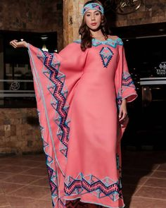 Blanca Yaneira Fernandez Ja'yaliyuu Aikaa Asesoria en dld.bz/b4aS9 Muslim Fashion, Ethnic Fashion, Hijab Fashion, African Fashion Dresses, African Dress, Plus Size Stores, Ankara Designs, Mexican Dresses, Pretty Dresses