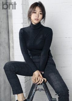 Kim Seul Gi might come off crazy and quirky on TV, whether she& in a corner of & Korea& or hilariously trying to get in… Korean Actresses, Asian Actors, Korean Actors, Actors & Actresses, Snl, Queen Of The Ring, Ulzzang Couple, Korean Star, Korean Celebrities
