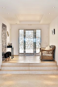 Modern entrance decoration / Finca Mallorca / Palma / Spain