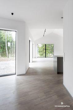 Interior Exterior, Interior Architecture, Home Living Room, Living Room Designs, Dream Home Design, House Design, Modern Floor Tiles, Modern Barn House, Long House