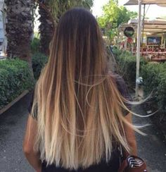 What exactly is Balayage Hair and why do we love it so much? As the name implies, Balayage is a French technique whose goal is to color the hair by adding very soft and. Brown Ombre Hair, Ombre Hair Color, Hair Colour, Short Straight Hair, Straight Hairstyles, Short Haircuts, Easy Hairstyles, Natural Straight Hair, Brown Hairstyles