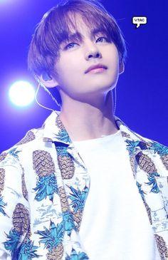 V | Kim Taehyung | BTS | Bangtan