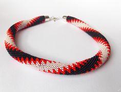 Háčkovaný náhrdelník 3 - Pošleme Kubíka k moři Aukce pro dobrou věc. Podpořte příhozem <3