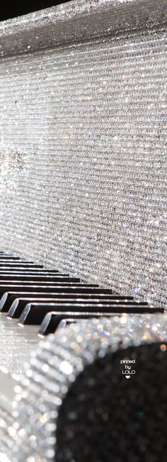 The Goldfinch Steinway Crystal Piano | LOLO❤