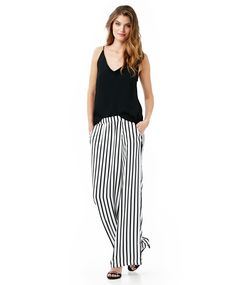 Wide pants with graphic print | Gina Tricot New Arrivals | www.ginatricot.com | #ginatricot