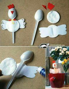 Making chicken out of plastic spoons - DIY projects for children for Easter - DIY - Basteln mit Kindern - Welcome Crafts Kids Crafts, Toddler Crafts, Preschool Crafts, Easter Crafts, Projects For Kids, Diy For Kids, Diy And Crafts, Craft Projects, Craft Ideas