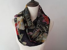Hey, I found this really awesome Etsy listing at https://www.etsy.com/listing/216009766/floral-style-print-infinity-scarf